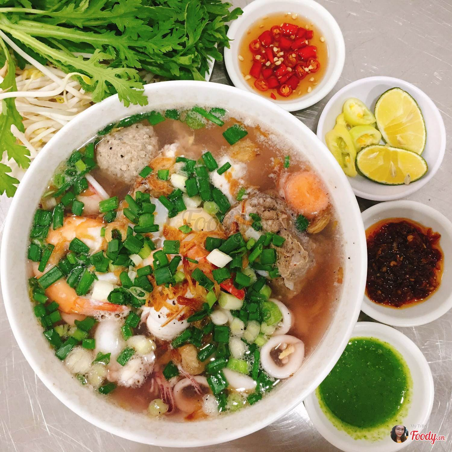 The uniqueness of Vietnamese foods in three main regions