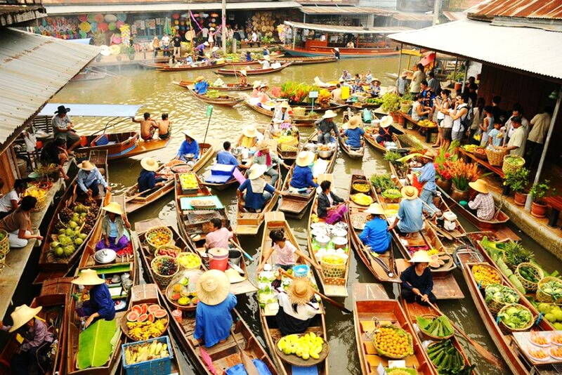 The highlight of the Southwest Vietnam, floating markets